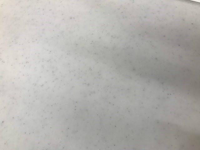システムキッチンの天板で使われている人造大理石の特徴を徹底解剖!システムキッチンのリフォームなら呉市リフォームNo.1のオオサワ創研へ