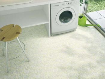 滑りにくい洗面所の床