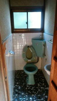 築70年の和風トイレのリフォームはオオサワ創研にお任せください!②