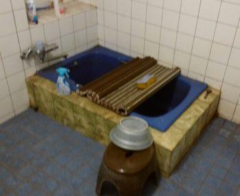 埋込み型浴槽