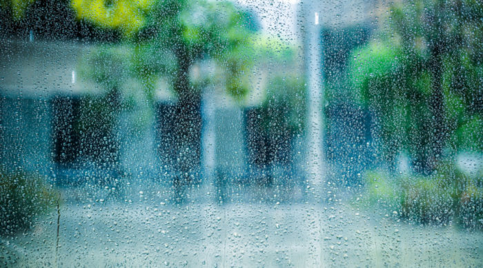 ジメジメ梅雨時期を快適に過ごすためには、住まいの湿気対策が大事です!