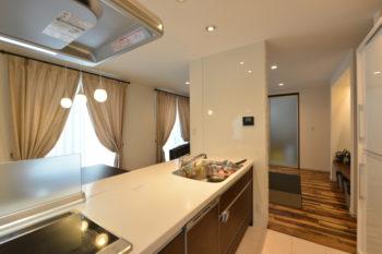 【新築施工事例】自然素材を随所に使った機能的でスタイリッシュモダンな家<後編>